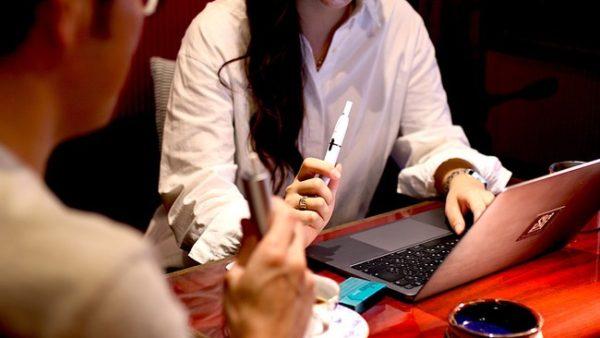 日本初!喫煙しながら仕事ができるコワーキングスペースが恵比寿に登場!